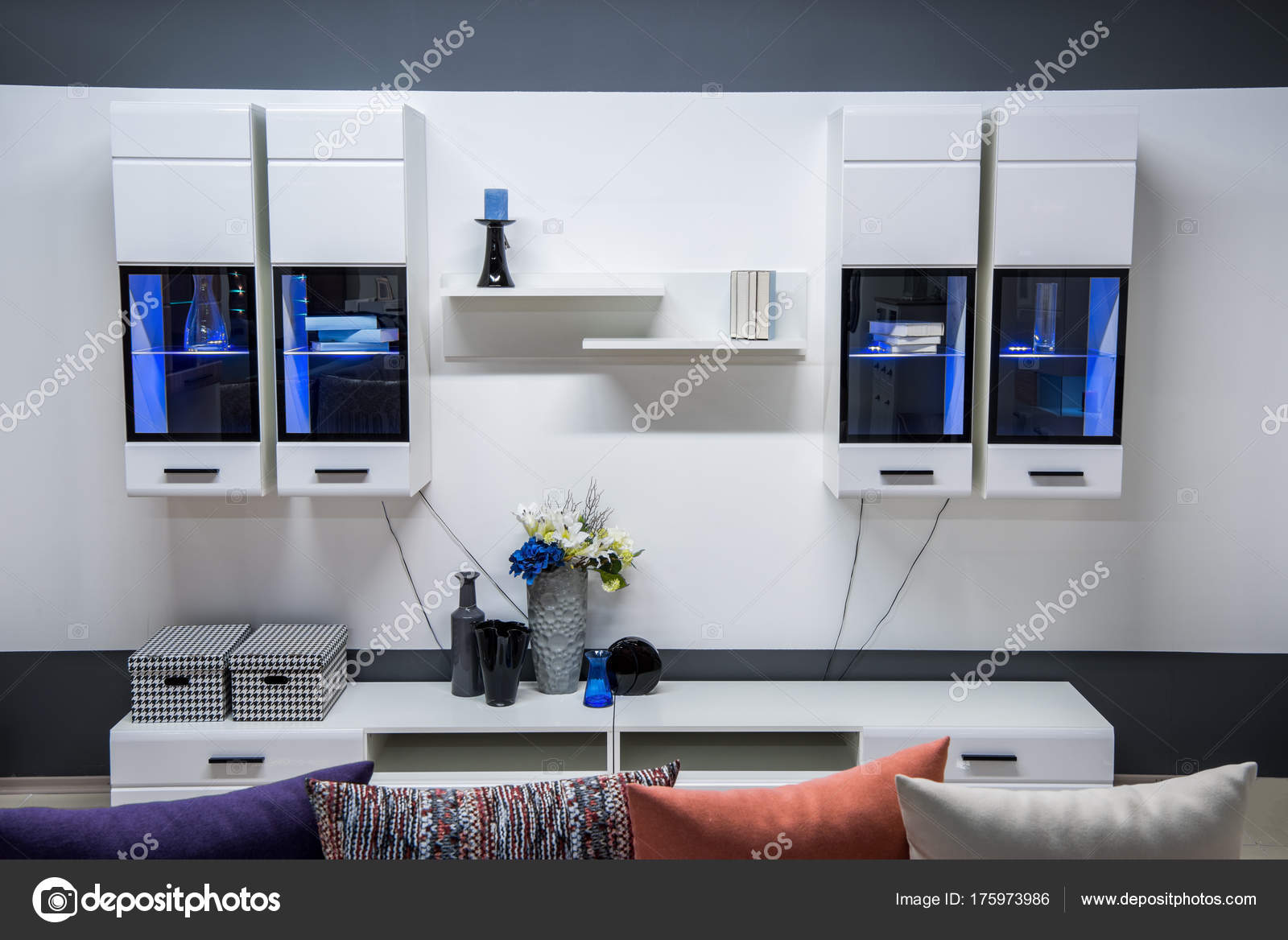 Kasten Woonkamer Interieur : Moderne woonkamer interieur met kast opbergruimte u stockfoto