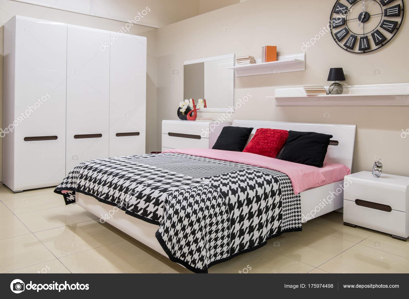 Gezellige Moderne Slaapkamer Interieur Met Bed — Stockfoto ...