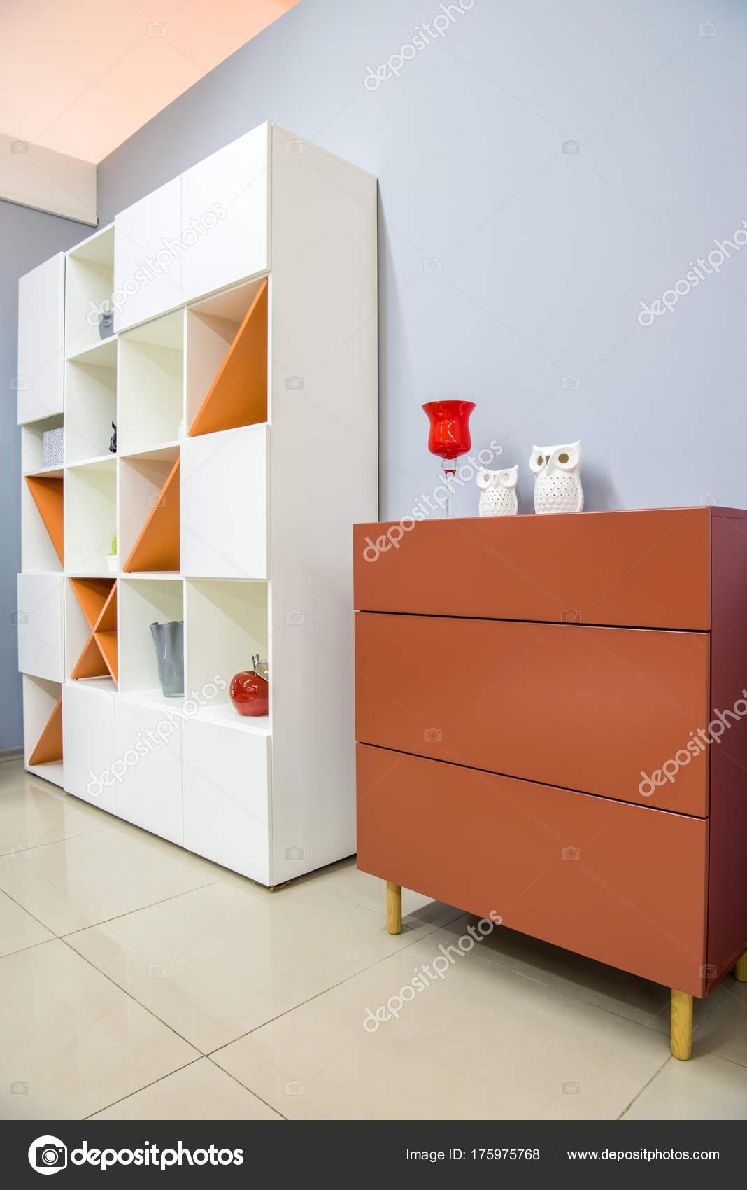 Intérieur De Salon Moderne Avec Commode Et Placard U2014 Image De ...