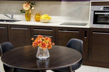rahat modern mutfak iç mobilya ile