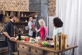Fényképek hűtőszekrény paprika adva többnemzetiségű meg az ember