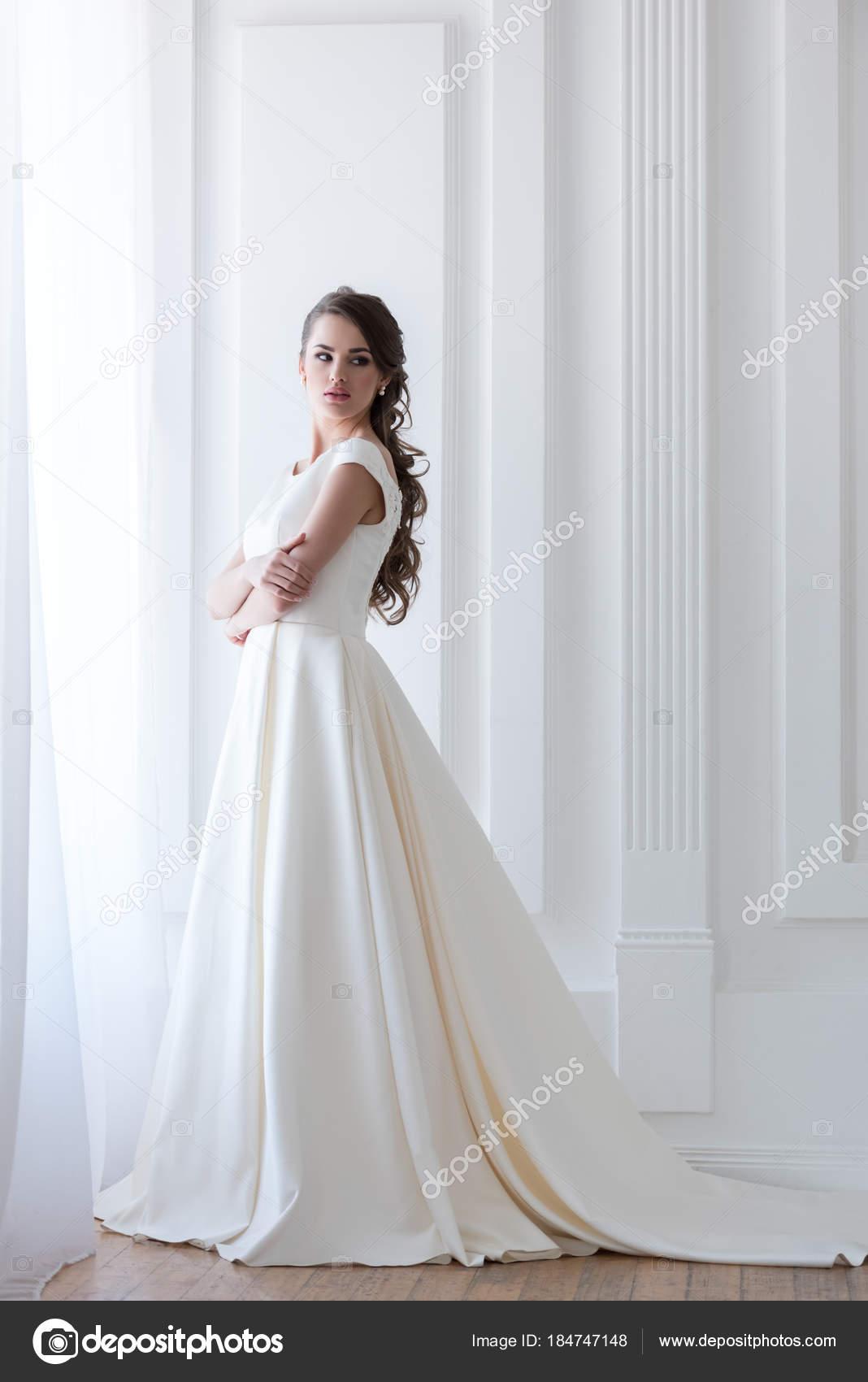 b46fc4eeeaa92a7 Прекрасный элегантный невеста в белом свадебном платье — Фото автора  VitalikRadko