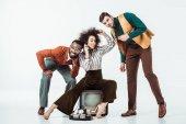 boldog multikulturális retro stílusú szüreti televízió és telefon fehér