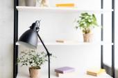 Stolní lampy na pracovní stůl v moderní apartmán