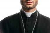 levágott kilátás katolikus pap fekete reverendában álló elszigetelt fehér