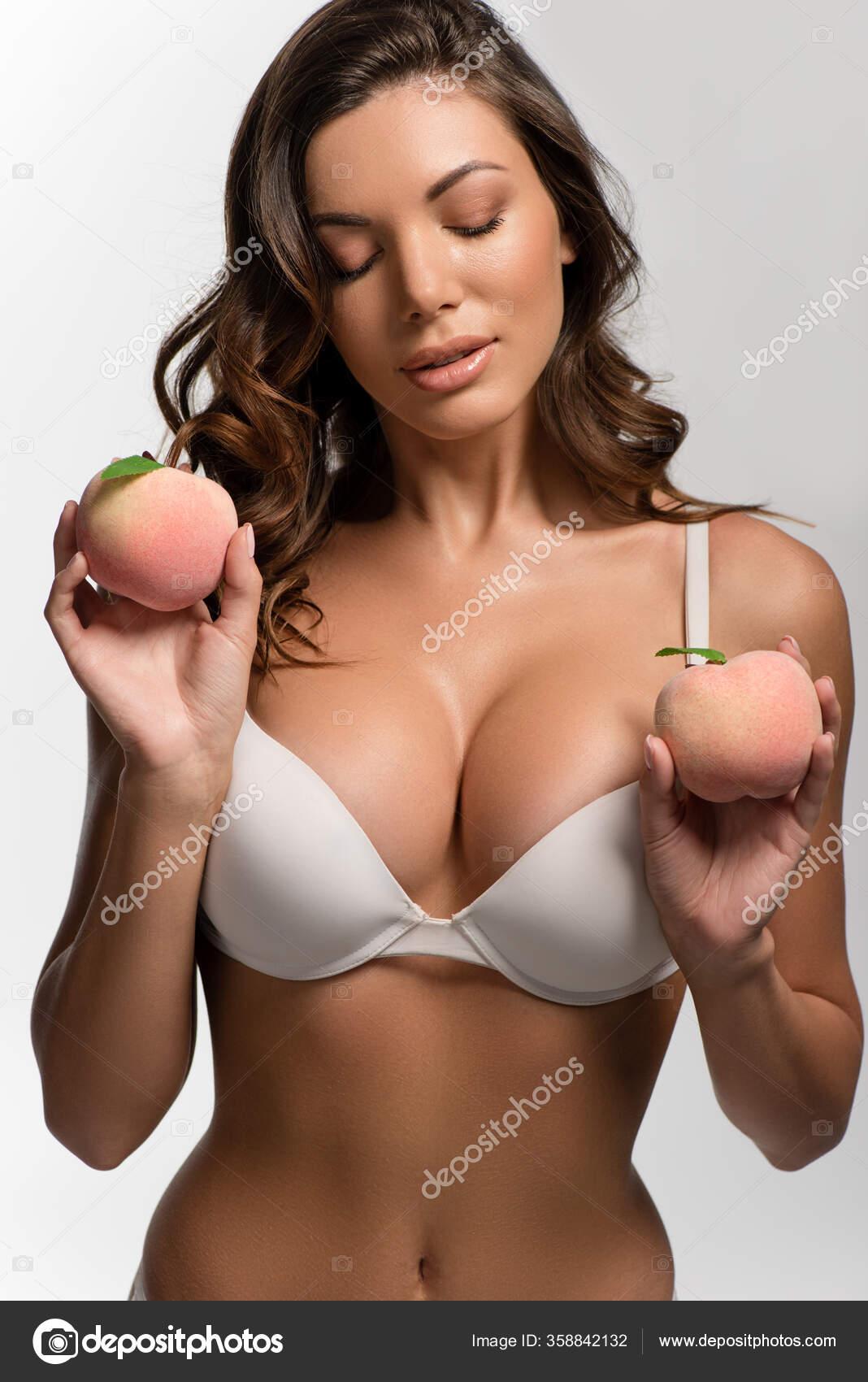 Stora mogna bröst