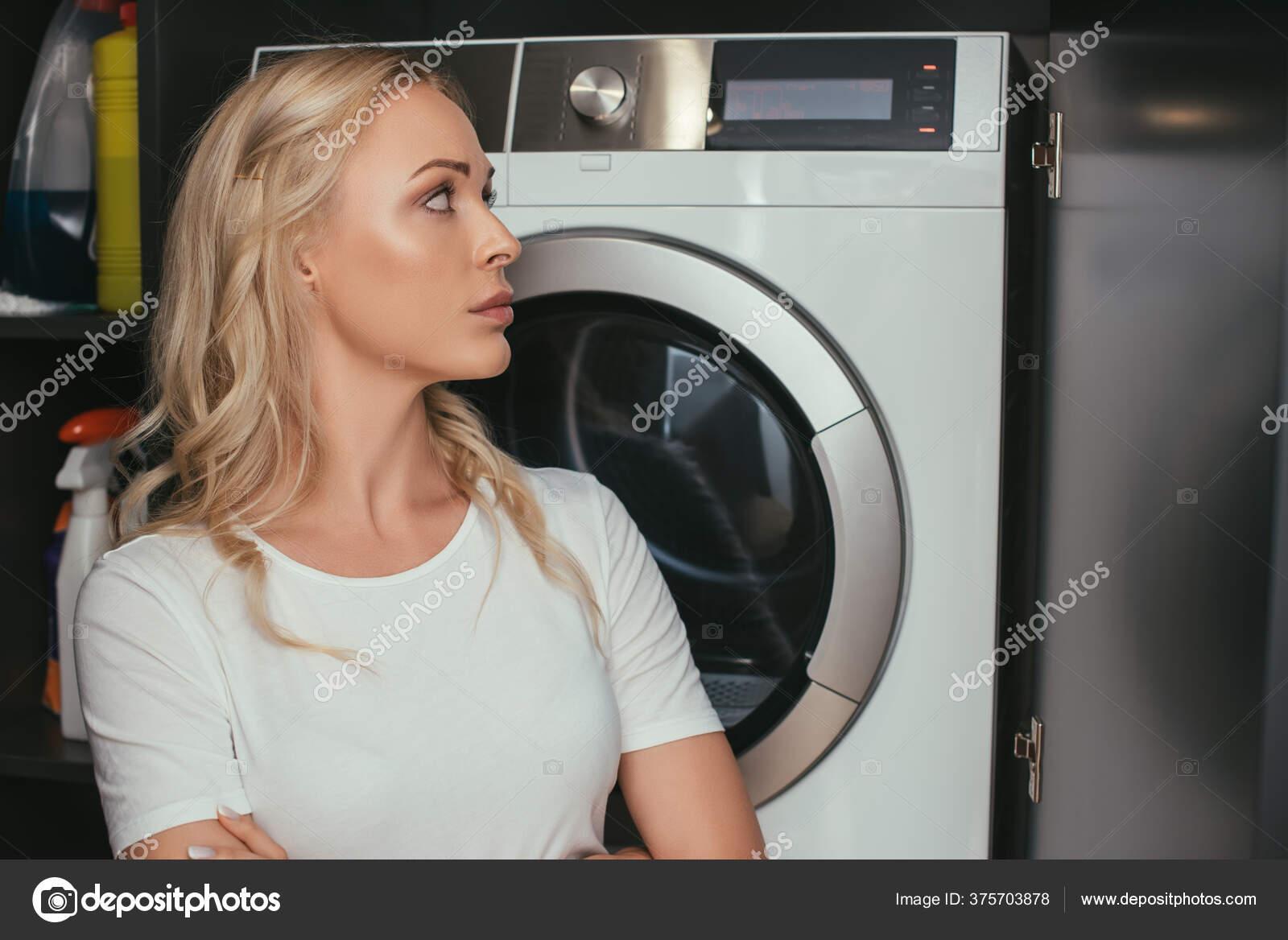 Waschküche Teen Blondine
