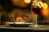Őszi asztalterítés sütőtökkel. Hálaadási vacsora.Hosper csirke grill szósszal