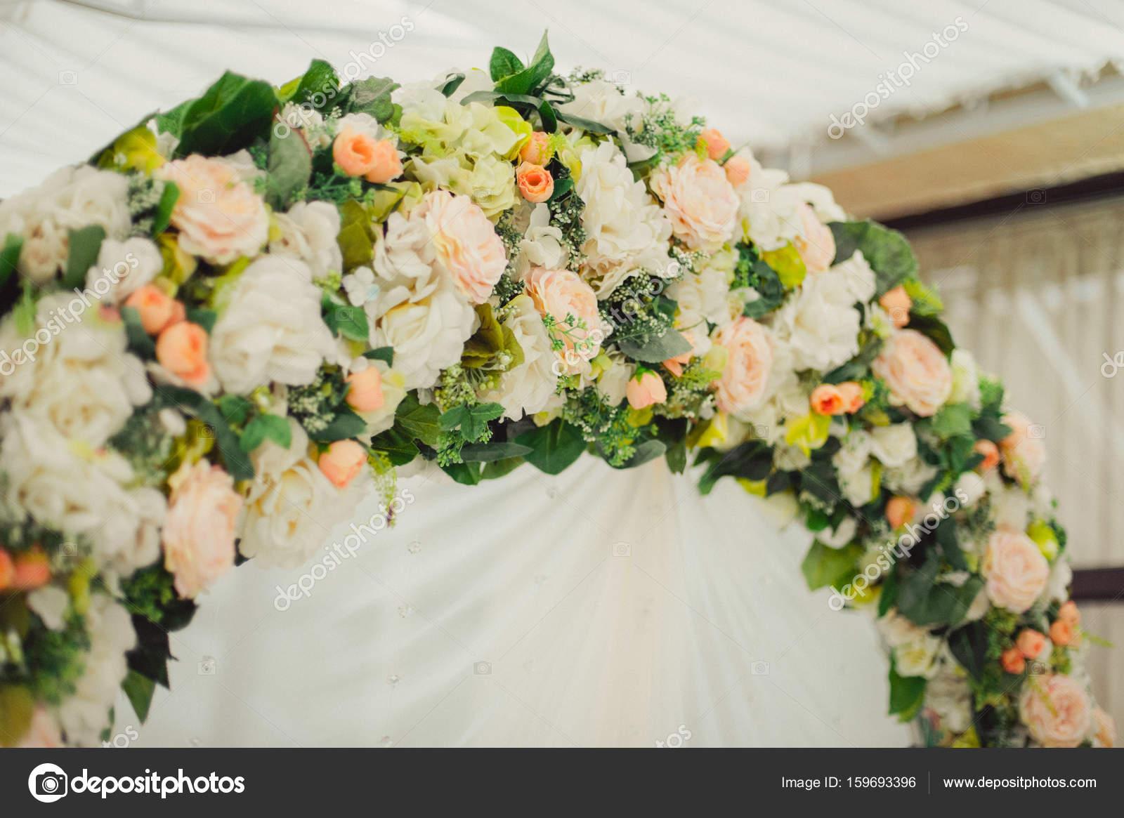 Bogen Hochzeitszeremonien Stockfoto C Dmvasilenko 159693396