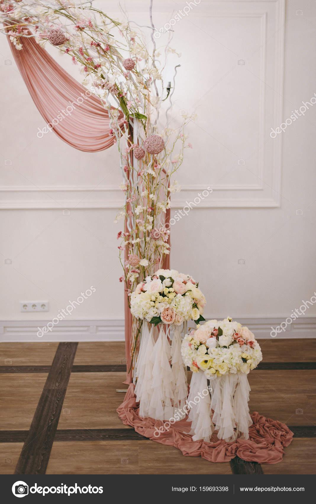 Bogen Hochzeitszeremonien Stockfoto C Dmvasilenko 159693398
