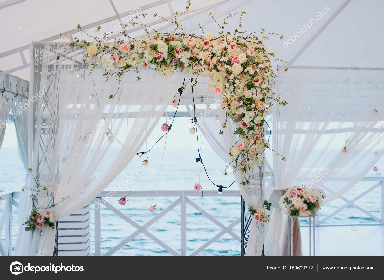 Bogen Hochzeitszeremonien Stockfoto C Dmvasilenko 159693712