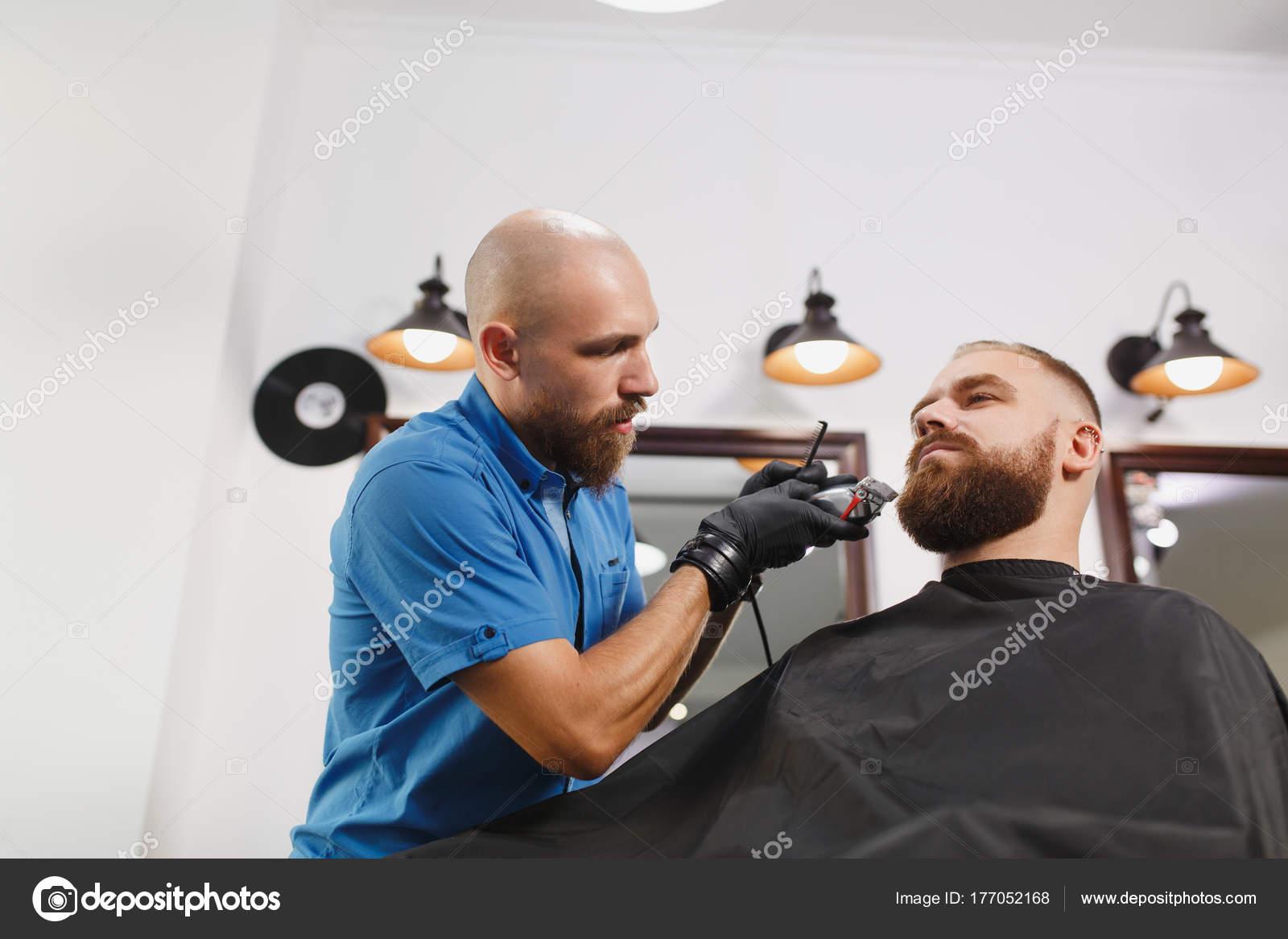 Client Du Coiffeur Professionnel Masculin Portion Par Clipper