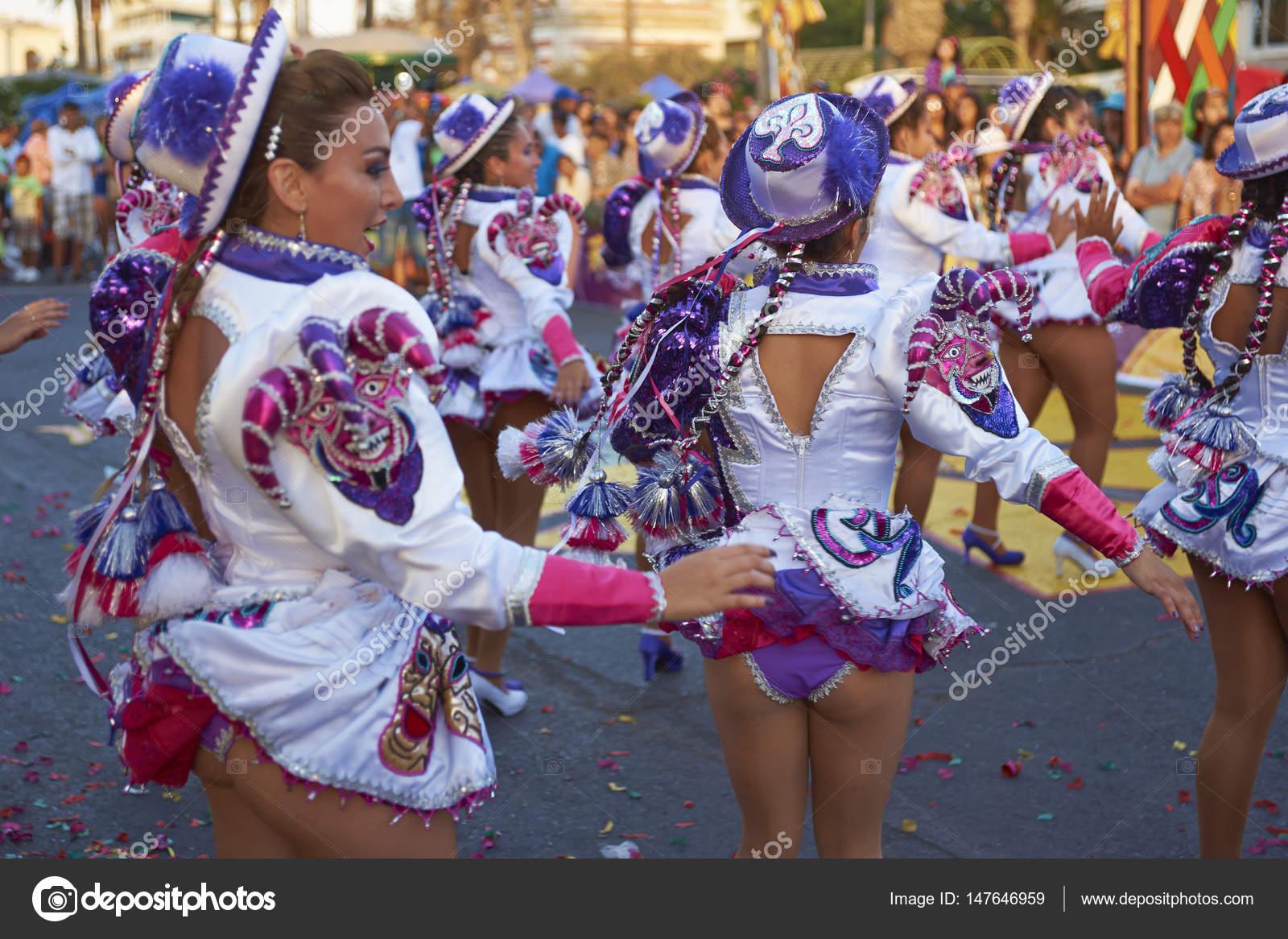 Grupo de danza de Caporales en el carnaval de Arica — Foto editorial ...