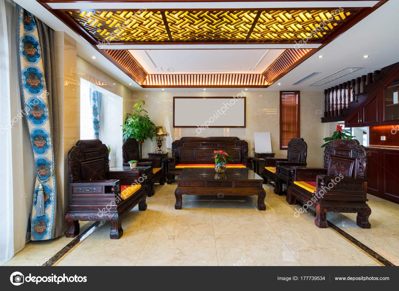 Huis interieur met chinese stijl decoratie u stockfoto