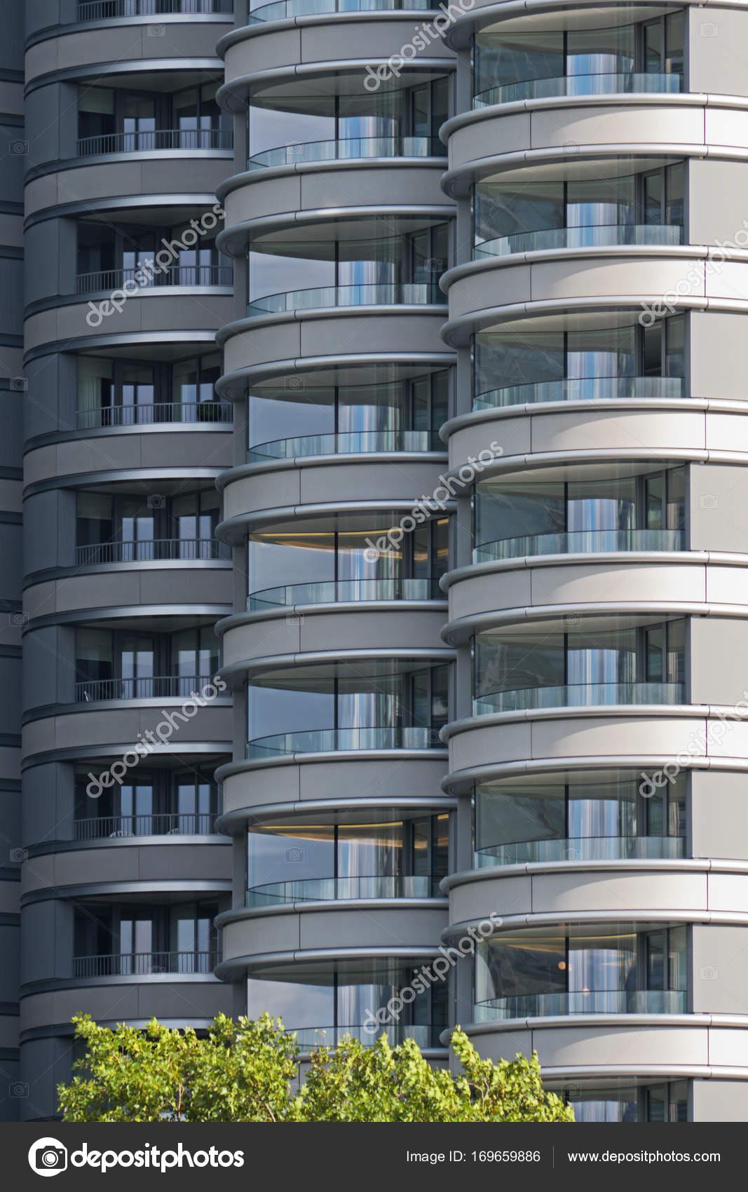 Beispiel für zeitgenössische Hochhaus Gehäuse Uk — Stockfoto ...