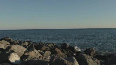 Видео морского берега