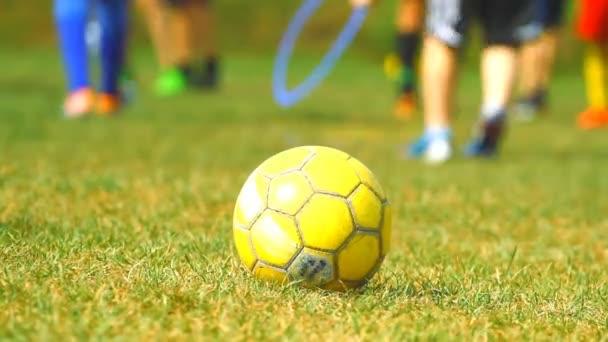 Ausbildung von Kindern und Fußball