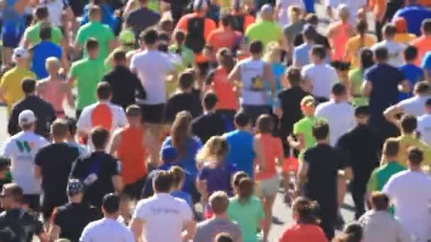 Maratonunu bulanık çalışan insanların