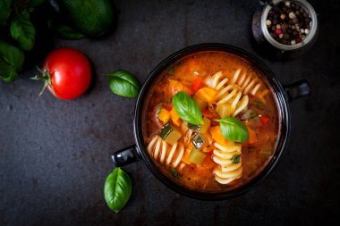 italian vegetable soup with pasta