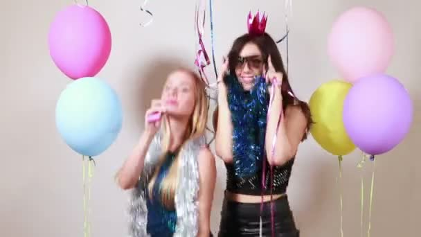 girls dancing  in party photo booth