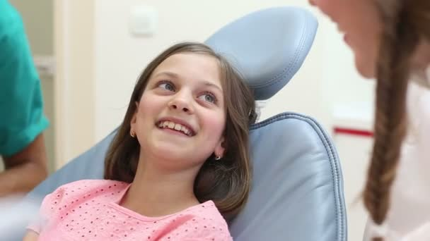 dentist examining girl