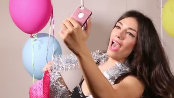 Frau macht Selfies