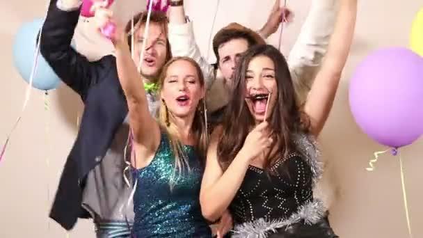 Meg élvezi a párt fénykép bódé