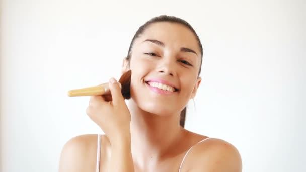 žena použití prášku
