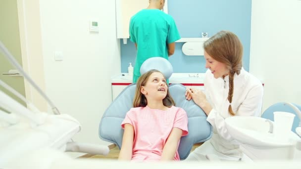 colloqui del dentista al paziente