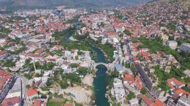 Mostar város a Neretva folyó