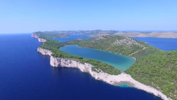 Dalmatského pobřeží a divočiny