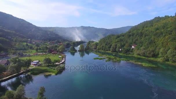 Vodopády řeky Una a krajina