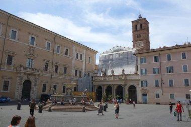 Santa Maria in Trastevere square