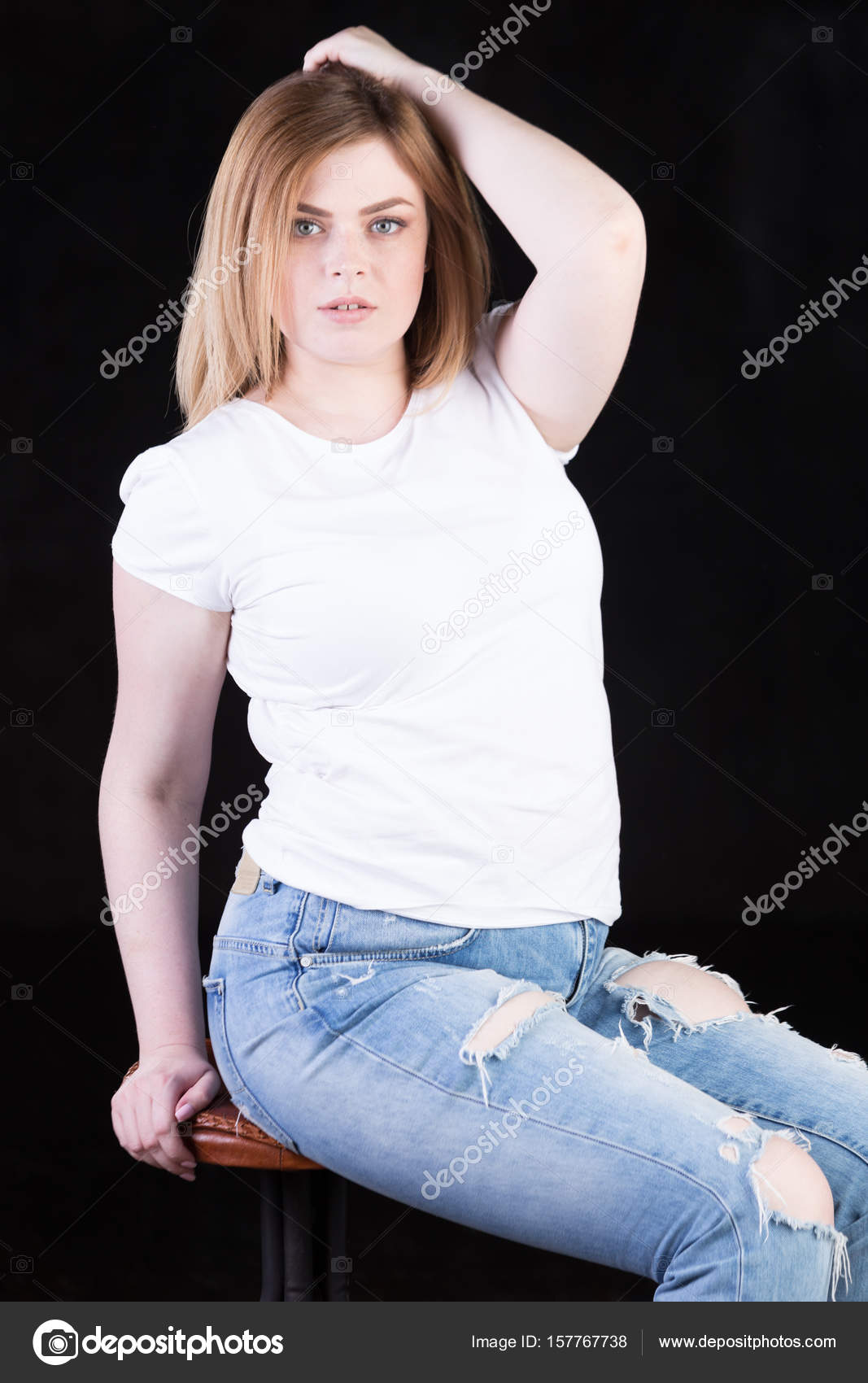 mature wife uses two strange cocks