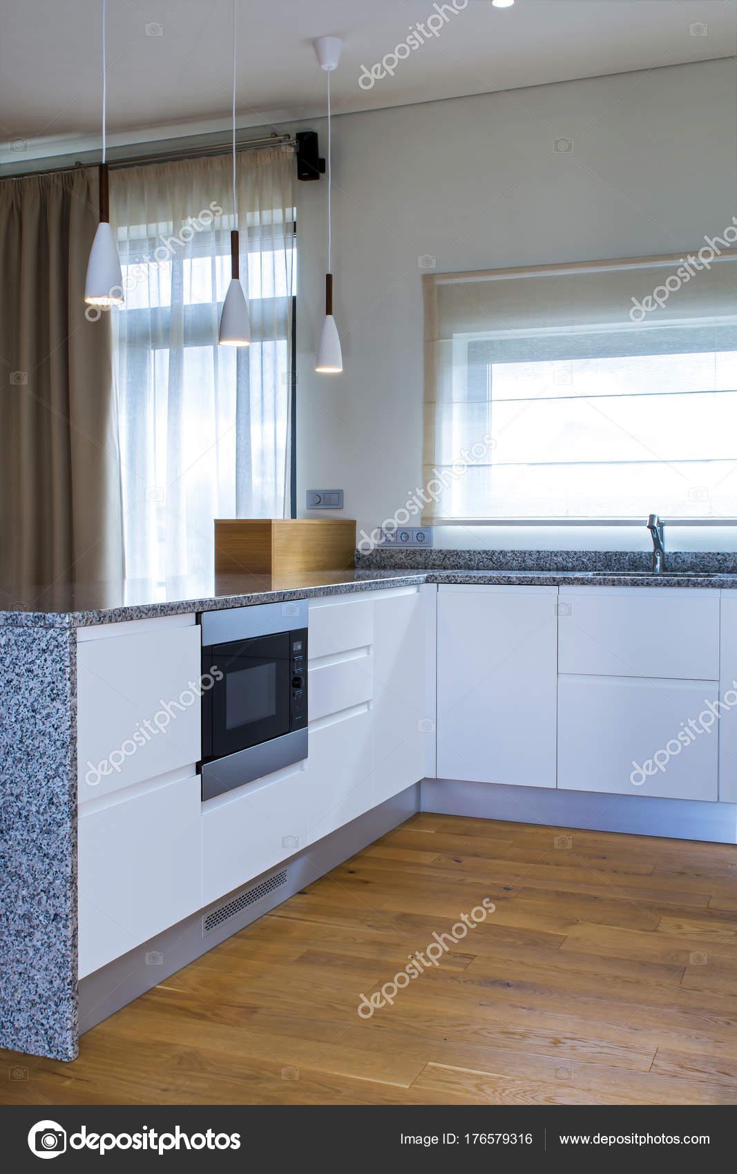 Moderne Küchendesign Hellen Innenraum Mit Holz Akzente Zimmer Gibt ...