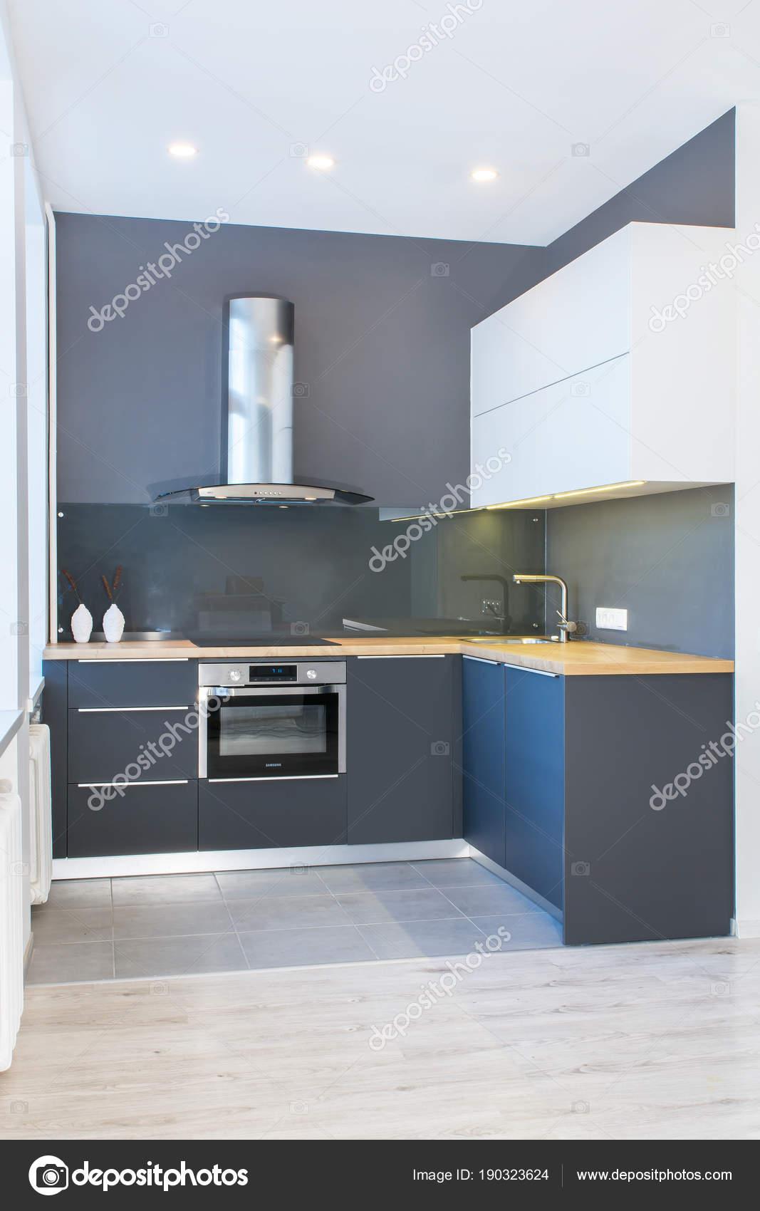 Moderno Diseño Muebles Cocina Interior Del Apartamento Con ...