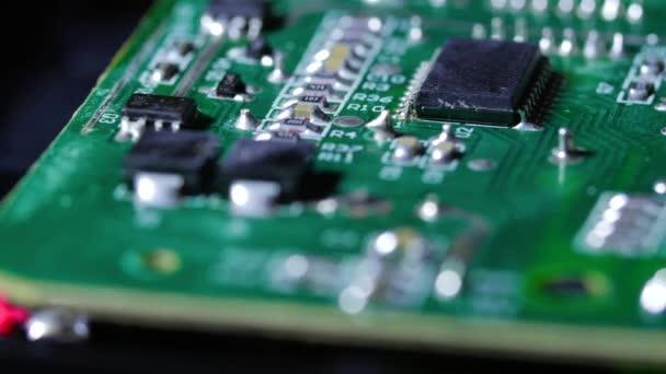 Elektronikus forgács-val áramkörök