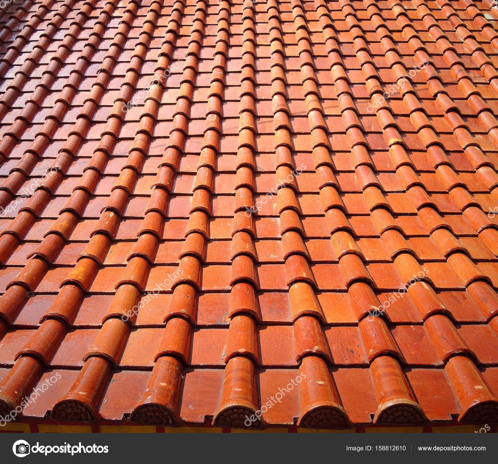 dach fliesenmuster — Stockfoto © nunawwoofy #158812610
