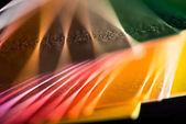 különböző színes papírok