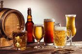 jiné pivo v brýlích