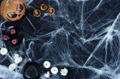 Halloween-dekoráció és pókháló