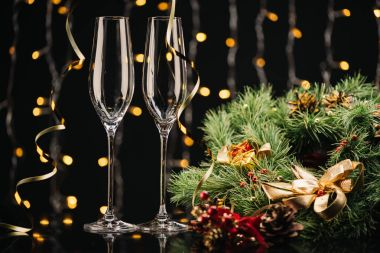 wineglasses and christmas wreath