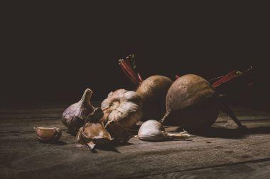 organic garlic and beets