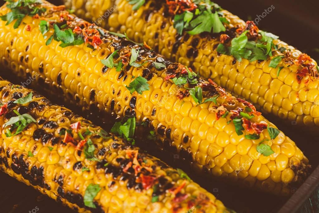 grilled corn with pepper and dill