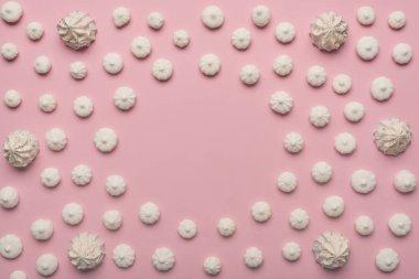 circle frame of white marshmallows