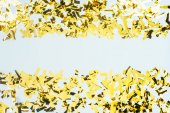 rám vyrobený z zlaté konfety