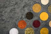 Fényképek színes fűszerek