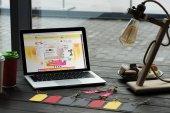 Laptop mit aliexpress-Website