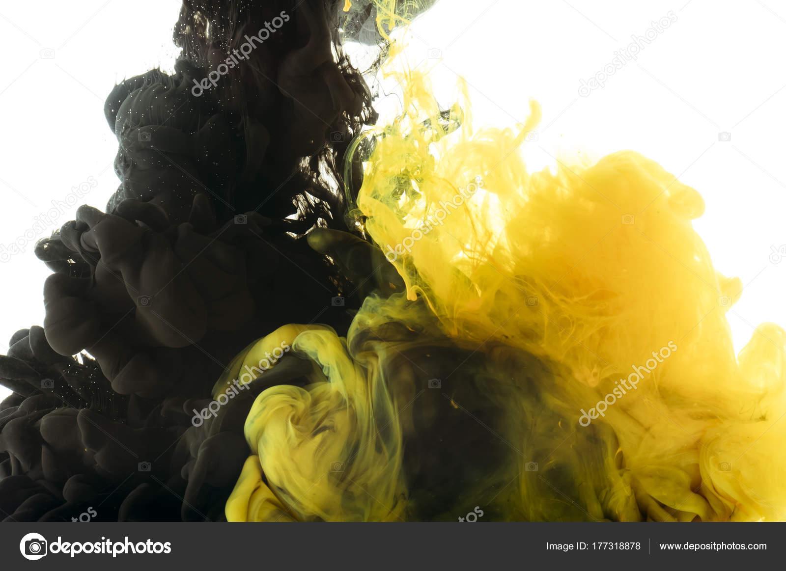 Der Schwarz Gelben Farbe Mischen Isoliert Auf Weiss — Stockfoto ...