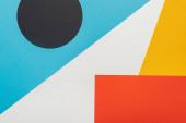 Fotografie horní pohled na barevné abstraktní geometrické pozadí